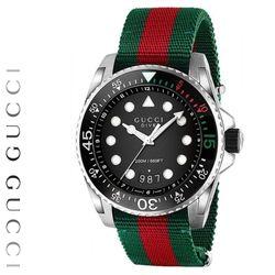 YA136209 Dive
