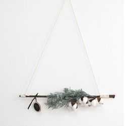 겨울 인테리어 목화솜 원목 벽트리