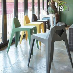 크래용 체어 인테리어 카페의자