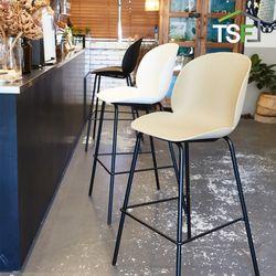 베이커 바체어 인테리어 카페의자