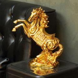 황금 말 장식