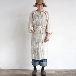 linen check apron