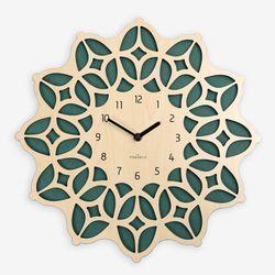 화려한 문양이 새겨진 모로코 감성의 보헤미안 벽시계 NG