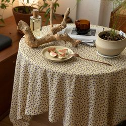 온더쁘띠퍼플꽃 식탁보 테이블보 120x120cm 테이블러너