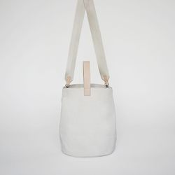 new bell tote bag (ivory)