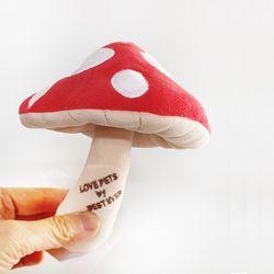 Love Pet Squeaky Mushroom Red레드버섯바스락삑삑