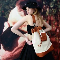 Sister Yoko Bucket Bag (L)(IV-BR)