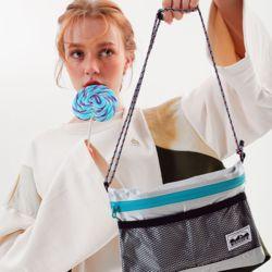 multiwaypost pouch bagsilver (L)