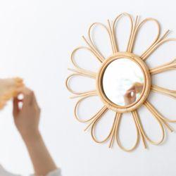 데이지 라탄 거울
