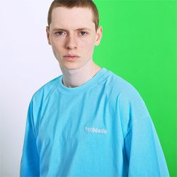 피그먼트 로고자수 티셔츠 -스카이 블루