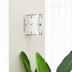 심플하고 모던한 스타일의 화이트 우드 양면 벽시계