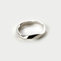 SVR-S605 Twisted Ring (Silver 925)