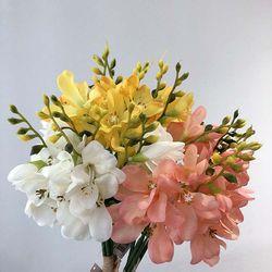 하늘하늘 프리지아 인테리어 조화꽃