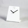 아크릴 화이트 L자 모던 심플 디자이너 테이블 저소음 시계