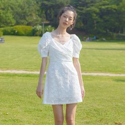 DAISY LACE PUFF SLEEVES ONEPIECE(WHITE)
