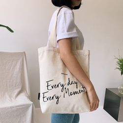 EVERY DAY EVERY MOMENT 레터링 에코백