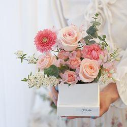 당일 꽃배달 센터피스 부모님 여자친구 생일 생신 선물 기념일