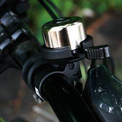 모든 자전거에 손쉽게 조립할 수 있는 자전거 청동 벨