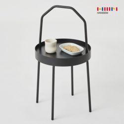 마틴 손잡이 테이블 블랙 철제 사이드테이블 카페인테