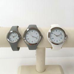 액센트 러비더비 러버 손목시계