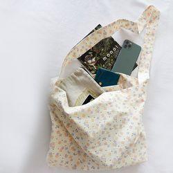 flower shoulder bag