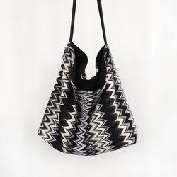 Lovely Point Bag