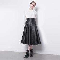 W19 leather A skirt black