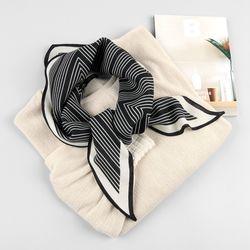 울실크 지그재그 마름모 스카프