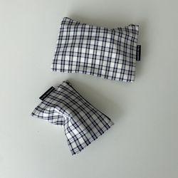 네이비 심플 체크 파우치(Navy simple check pouch)-M