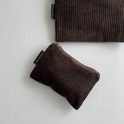 브라운 골덴 파우치(Brown corduroy pouch)-M