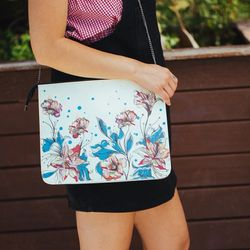[mumka] Flowers on Green Casual Clutch