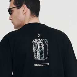 [IRONY PORNO] UNISEX 캔들 플로우 다운 반팔티 블랙 IRT040