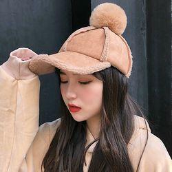 루베 방울 무스탕 뽀글 볼캡 헌팅캡