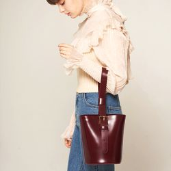 엘노이 Mullion Bag Burgundy