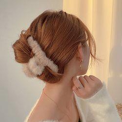 나오미 페이크퍼 밍크 겨울 올림머리 헤어집게핀