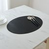 소프트터치 레더룩 오벌식탁매트 블랙