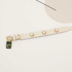 Soft Pearl Collar S size white