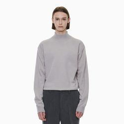 STANDARD HALF NECK KNIT BEIGE GREY