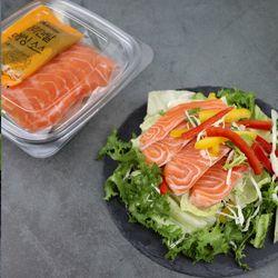 생연어와 샐러드 1팩 (소스포크포함)