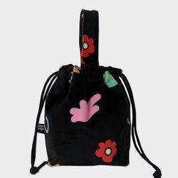 childlike string bag