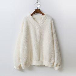 Teddy Bear V-Neck Sweatshirt