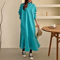 Gimo Half Neck Flare Long Dress - 기모안감