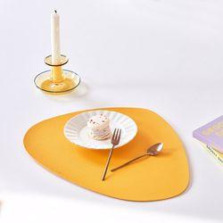 북유럽 식탁 홈인테리어 조약돌 가죽 식탁매트 테이블매트