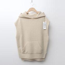 Maille Raccoon Wool Hood Vest