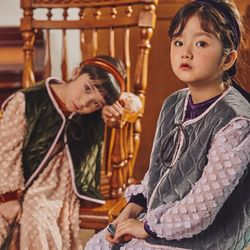 퍼키 벨벳 물결퀼팅 베스트 리본조끼 (그레이 카키)