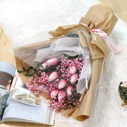 졸업식 입학 기념일 튤립 안개꽃다발 핑크