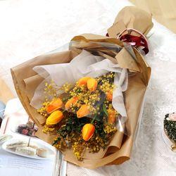 졸업식 입학 기념일 튤립 안개꽃다발 오렌지