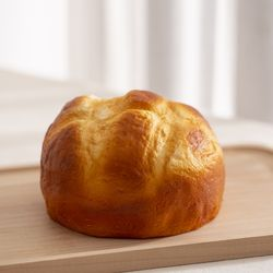구운 둥근빵 모형