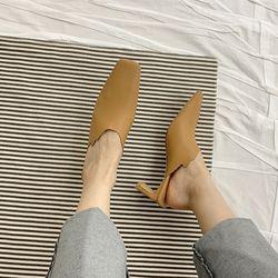 아멜리 브로큰 하트 파츠 로우 뮬 힐 3color