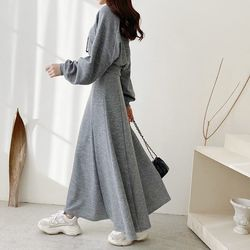 [Set] Hood Crop Sweatshirt   A-Line Long Skirt